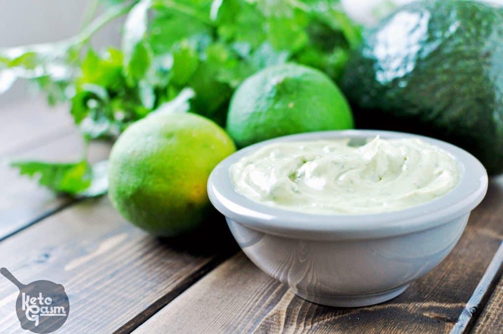 Avocado Cilantro Lime Mayo [Recipe] | KETOGASM Only 4 ingredients! #keto #lchf #lowcarb #atkins #paleo #whole30 #condiments #mayonnaise #mayo