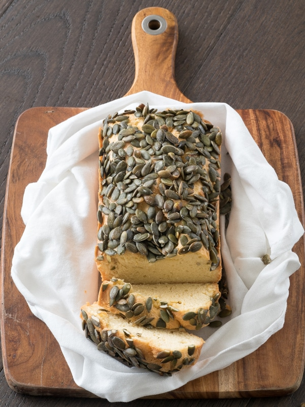 What is keto bread? A no carb bread with pumkpin seeds!